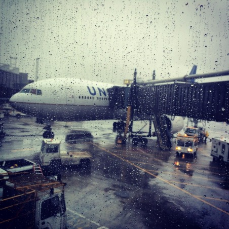 aircraft-589357_1280
